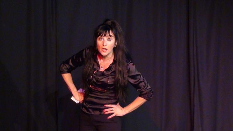 Dossier de communication pour le one woman show : J'me fais du cinéma Dossie13