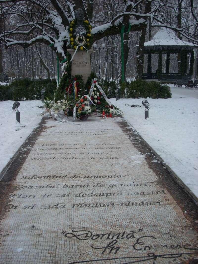 15 ianuarie 2010-ziua de nastere a lui Mihai Eminescu sarbatorita in Parcul Copou 15_ian11