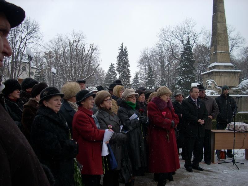 15 ianuarie 2010-ziua de nastere a lui Mihai Eminescu sarbatorita in Parcul Copou 15_ian13