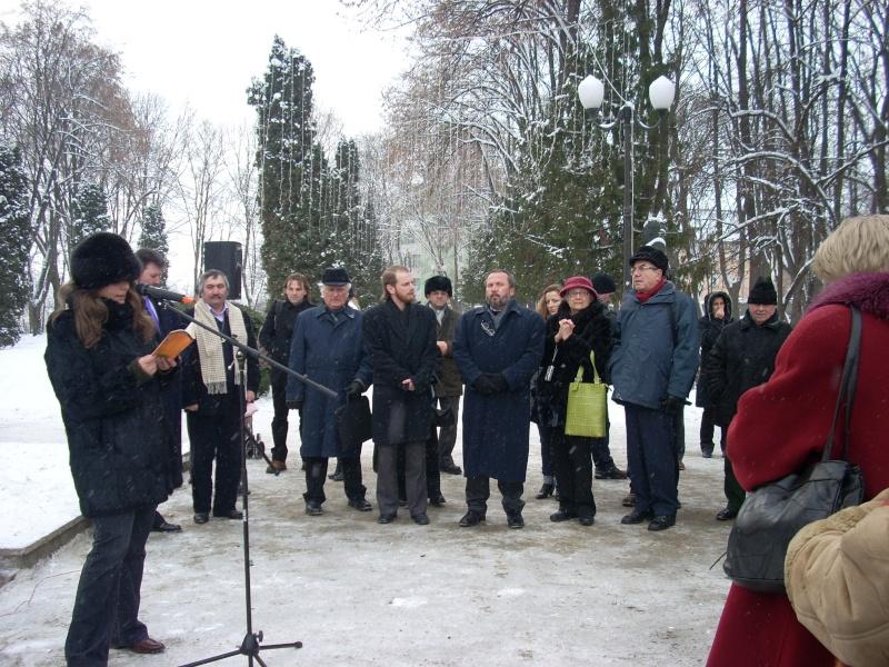15 ianuarie 2010-ziua de nastere a lui Mihai Eminescu sarbatorita in Parcul Copou 15_ian15