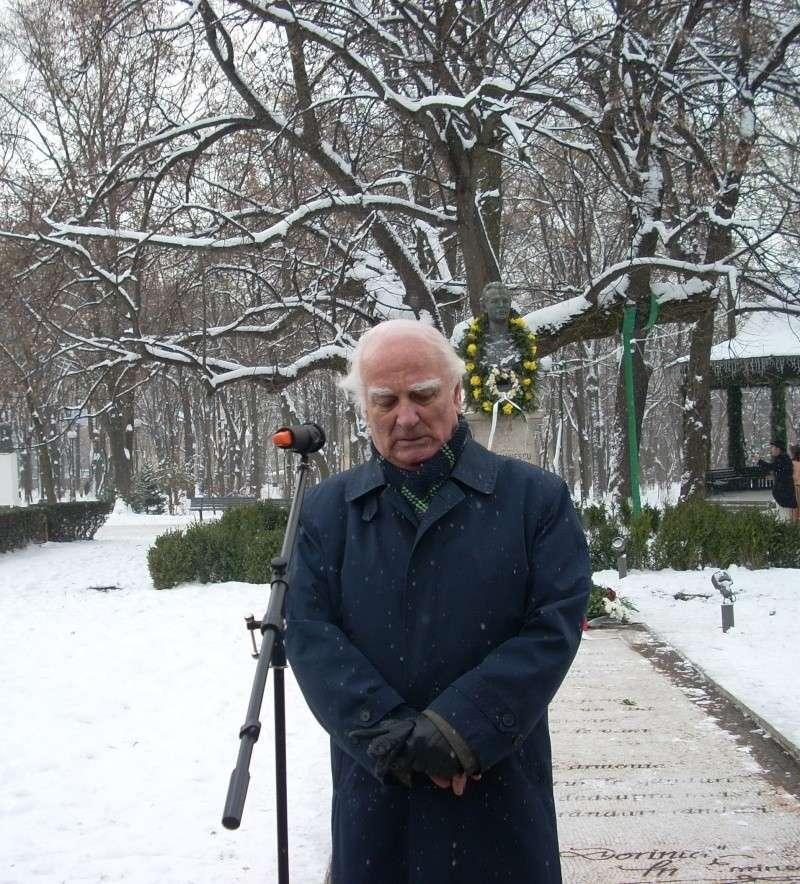 15 ianuarie 2010-ziua de nastere a lui Mihai Eminescu sarbatorita in Parcul Copou 15_ian19