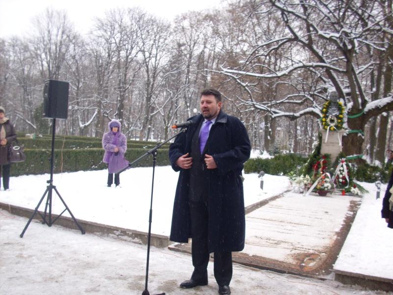 15 ianuarie 2010-ziua de nastere a lui Mihai Eminescu sarbatorita in Parcul Copou Daniel10