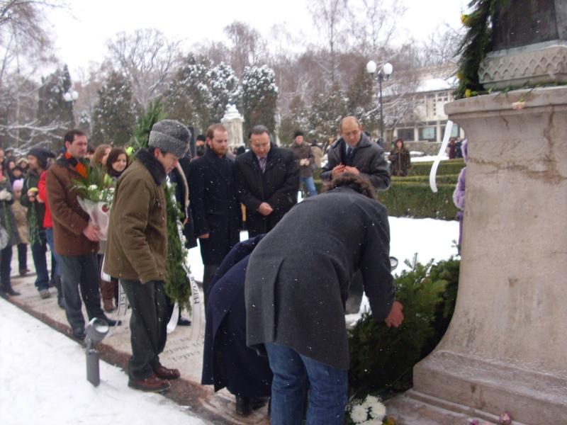 15 ianuarie 2010-ziua de nastere a lui Mihai Eminescu sarbatorita in Parcul Copou Depune10