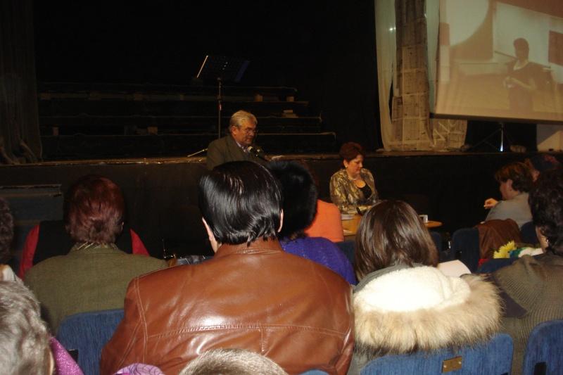 11 decembrie 2009-lansarea ultimului volum din Ciclul Anotimpurilor-Universul Prieteniei-Iarna Dsc09315