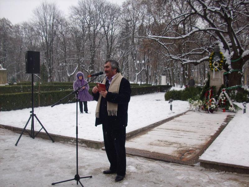 15 ianuarie 2010-ziua de nastere a lui Mihai Eminescu sarbatorita in Parcul Copou E1010