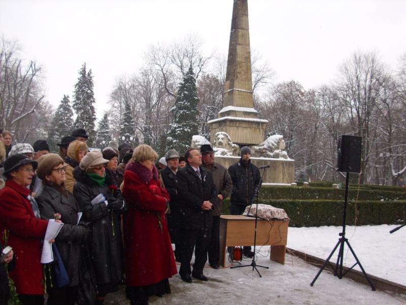 15 ianuarie 2010-ziua de nastere a lui Mihai Eminescu sarbatorita in Parcul Copou E710