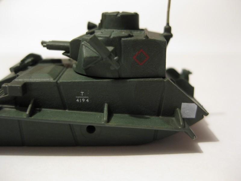 Vickers Light Tank Mk. VI a/b/c  [Airfix , 1/76 ] FINI ! Photo306