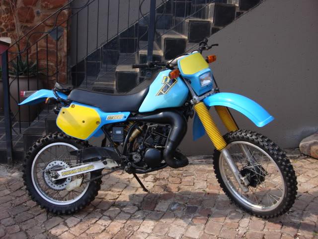 Les trails et machines TT qui ont marqué ma jeunesse Yamaha11