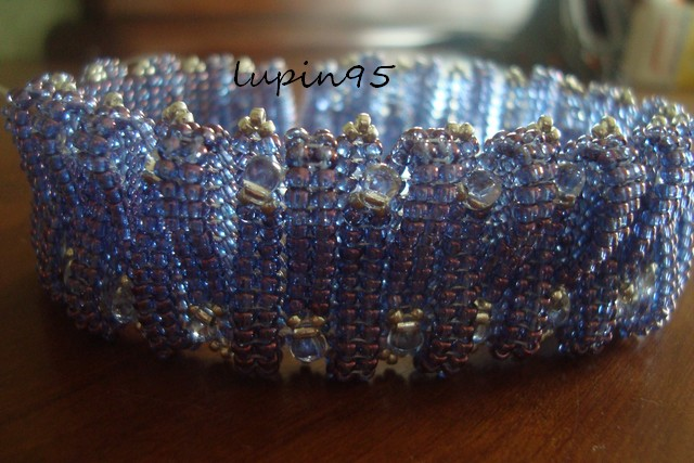 layered loops de bead button février Dsc01213