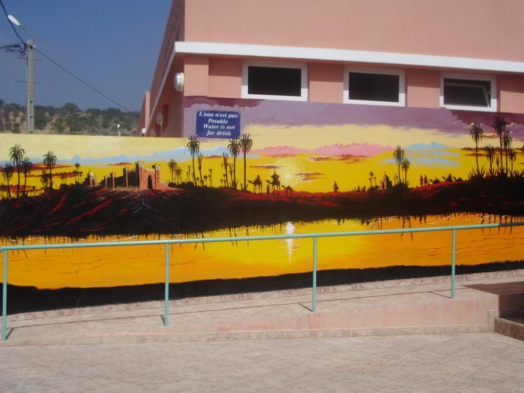 [Maroc/Commerces]  Peinture de motif sur camping car  Maroc_10