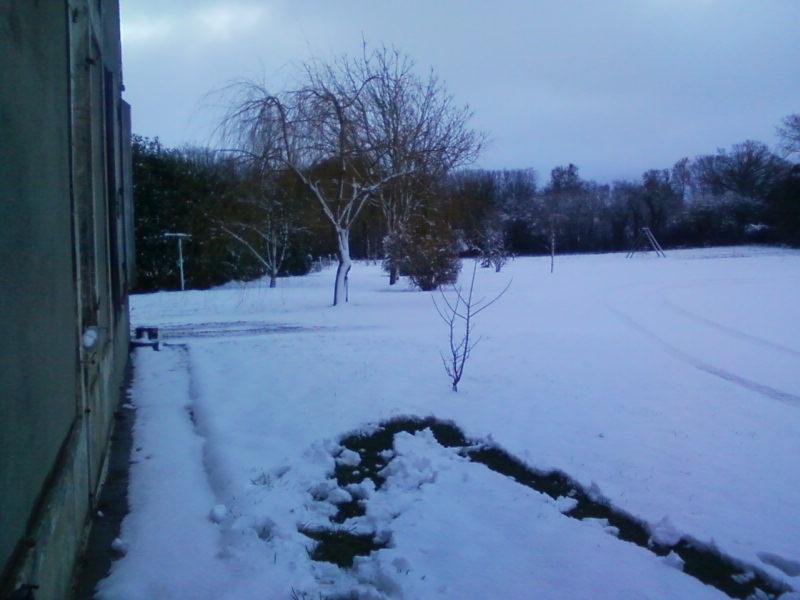 la neige est-elle arrivée chez vous ?  - Page 3 Photos22