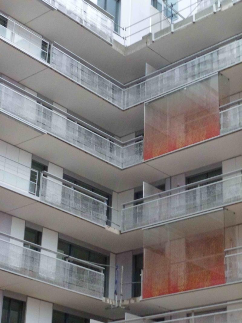 Angle de l'immeuble coté cour P1010111