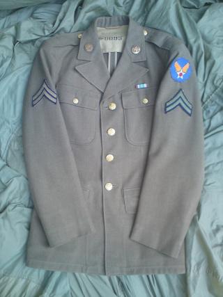 [U.S.A.] Caporal de l'USAAF en tenue de sortie (1945) Dsc00412