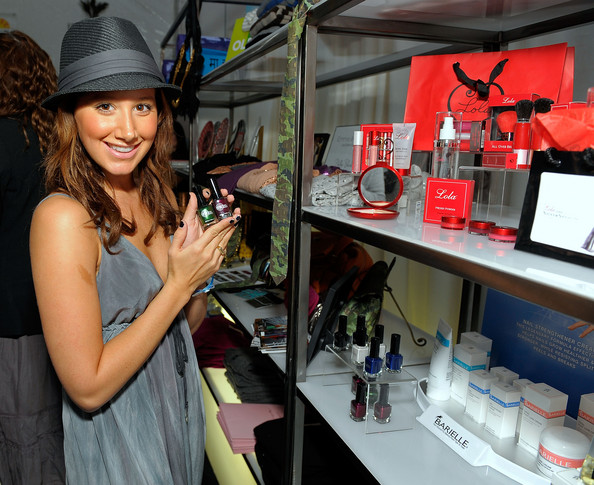 2008 American Music Awards - Silver Spoon Gifting Lounge - Day 2 1031