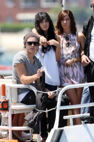 Zac, Vanessa And Ashley Enjoy A Boat Ride In Sydney 1129