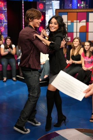 """MTV's """"TRL"""" Presents The Cast Of """"High School Musical 3"""" 128"""