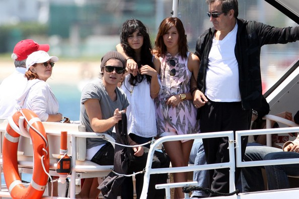 Zac, Vanessa And Ashley Enjoy A Boat Ride In Sydney 2417