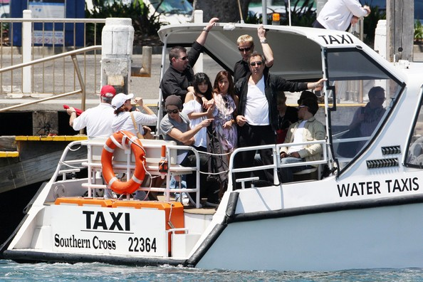 Zac, Vanessa And Ashley Enjoy A Boat Ride In Sydney - Page 2 2715
