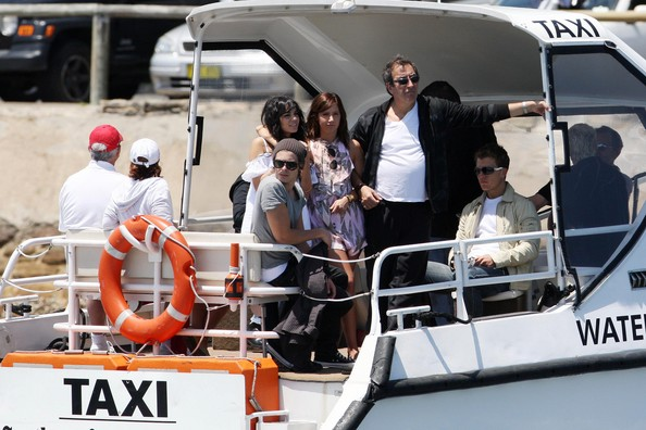 Zac, Vanessa And Ashley Enjoy A Boat Ride In Sydney - Page 2 3113