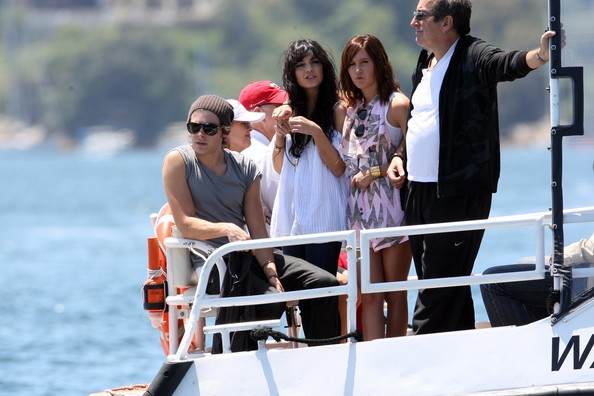 Zac, Vanessa And Ashley Enjoy A Boat Ride In Sydney - Page 2 3512