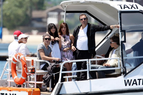 Zac, Vanessa And Ashley Enjoy A Boat Ride In Sydney - Page 2 3711