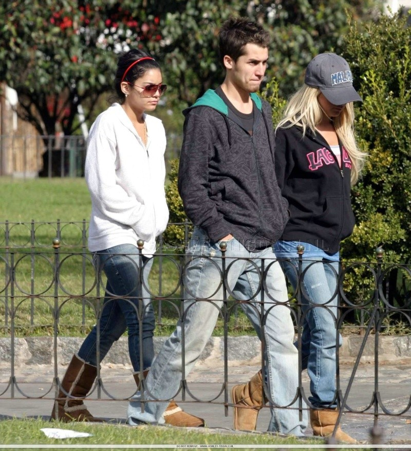 Vanessa, Ashley & Jared in Buenos Aires - 13.05.07 68093510