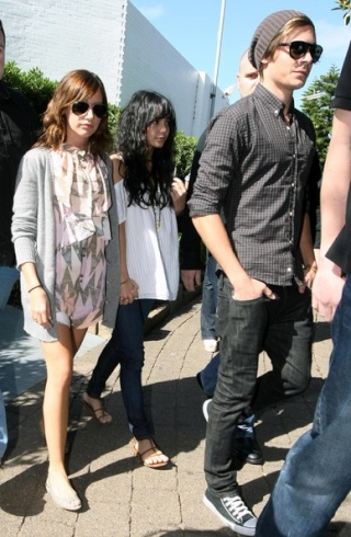 Zac, Vanessa And Ashley Leaving Catalinas Restaurant In Sydney 822