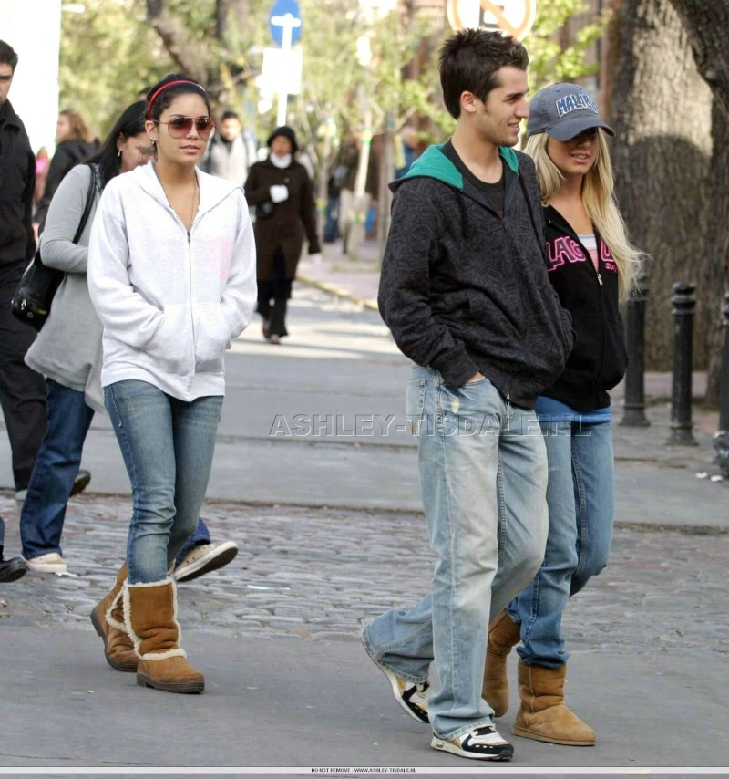 Vanessa, Ashley & Jared in Buenos Aires - 13.05.07 96242810