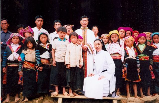 HMOOB CATHOLIC NYOB COB TSIB TEB (Hmong Catholic Vietnam) 0010