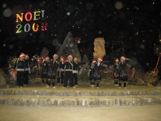 HMOOB CATHOLIC NYOB COB TSIB TEB (Hmong Catholic Vietnam) Img_2217