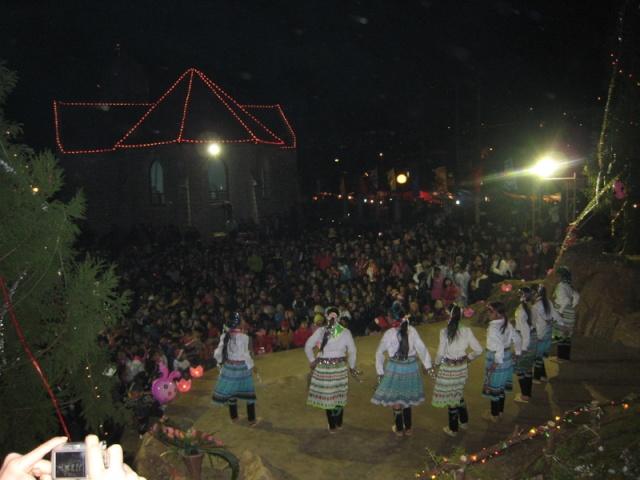 HMOOB CATHOLIC NYOB COB TSIB TEB (Hmong Catholic Vietnam) Img_2310