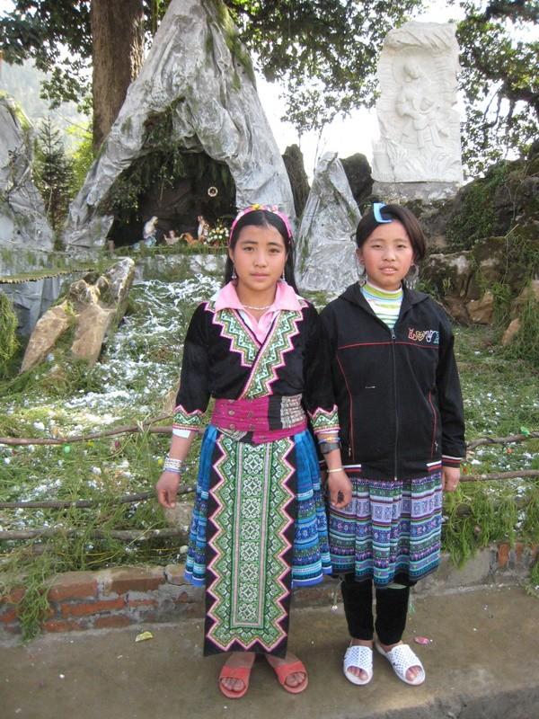 HMOOB CATHOLIC NYOB COB TSIB TEB (Hmong Catholic Vietnam) Img_2416