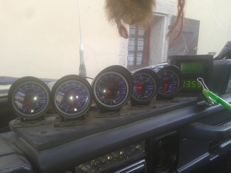 Ajout manomètre(s) VDO. 2012-110