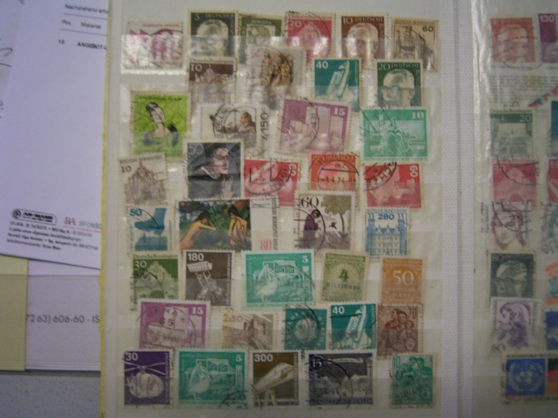 Verschiedene Briefmarken vor 20 Jahren vom Opa bekommen.... R0030817