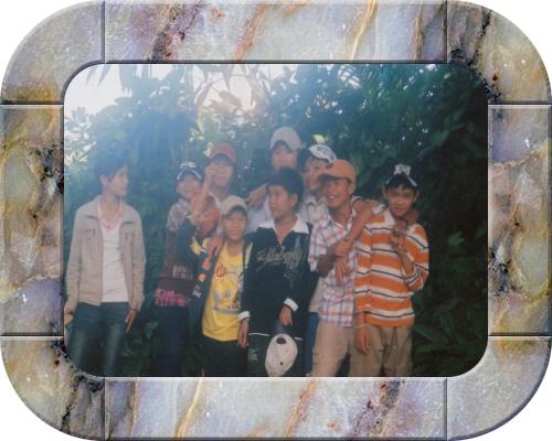 Album ảnh sinh hoạt lớp năm 2009 Framed11