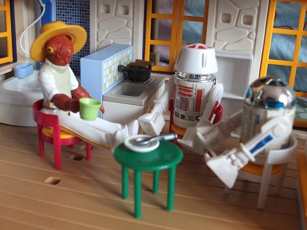Star Wars Figures in Action!!: Overview On Page 1 - Page 8 Ackbar11