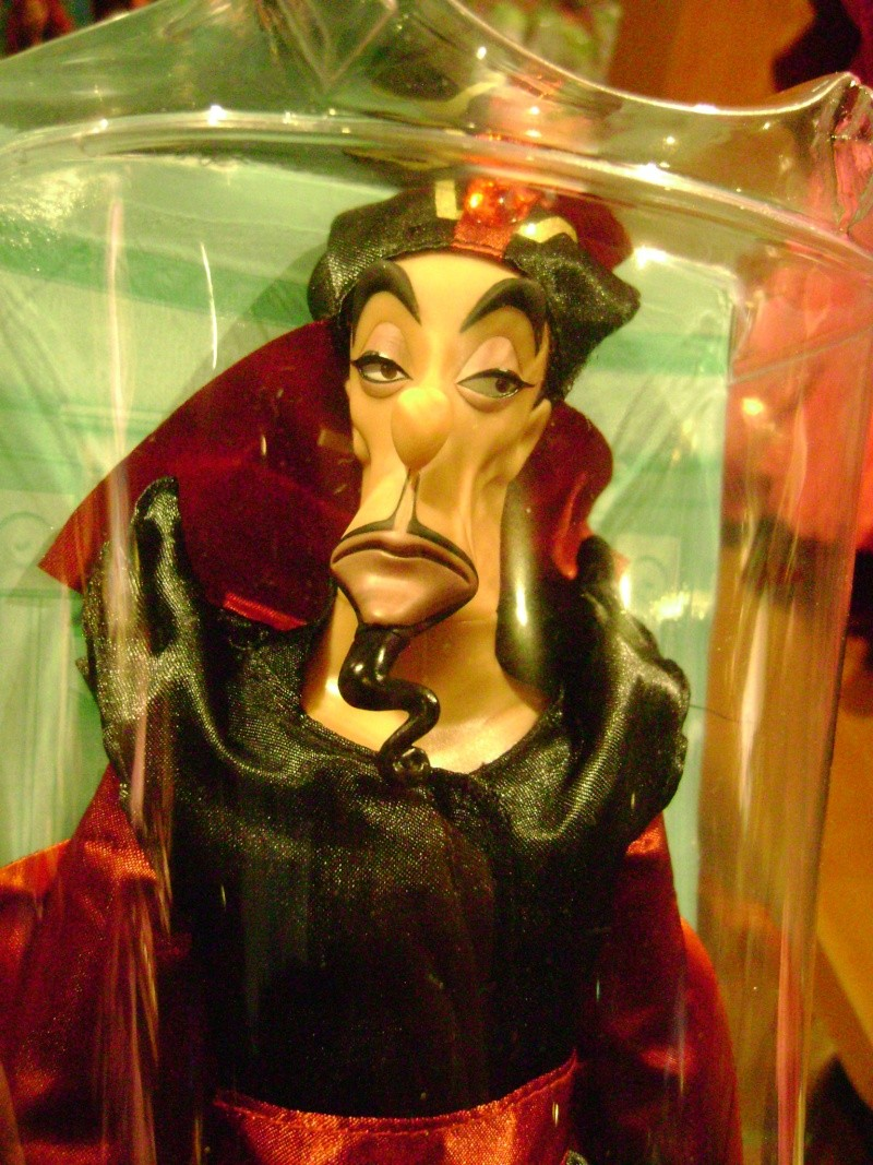 Disney Villains - Page 4 Dsc08517