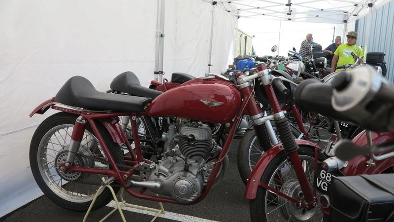 Quelques photos de motos du musée Baster à RIOM - Page 2 Img_2112