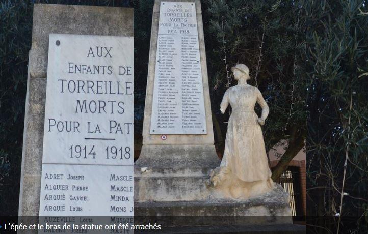 """""""AUX MORTS"""" est un mémorial virtuel des monuments ayant subi des dégradations, qu'elles qu'en soient les auteurs: imbéciles de toutes origines, de toutes couleurs et de toutes religions.   Captur11"""