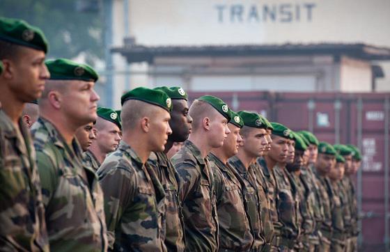 La France réduit ses effectifs militaires en Centrafrique. 2erei-10