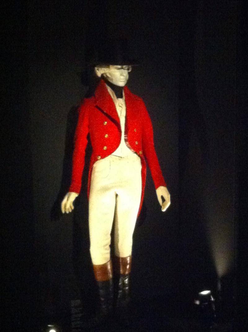Fashioning Fashion : deux siècles de mode européenne  Img_3423
