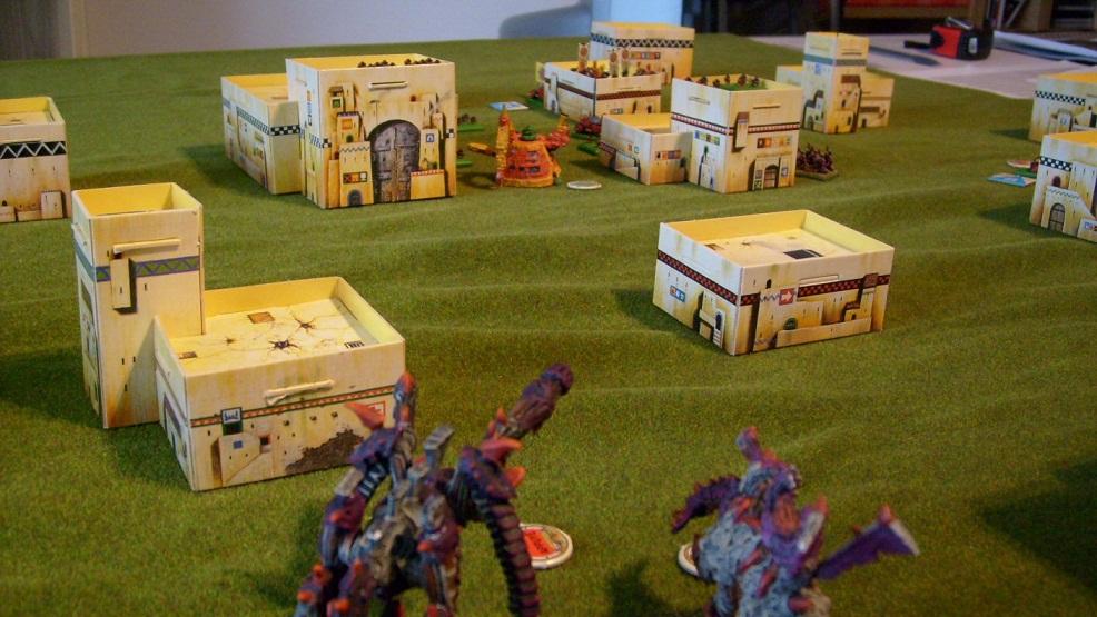 Invasion Tyranides à Septème ! Evil_s11