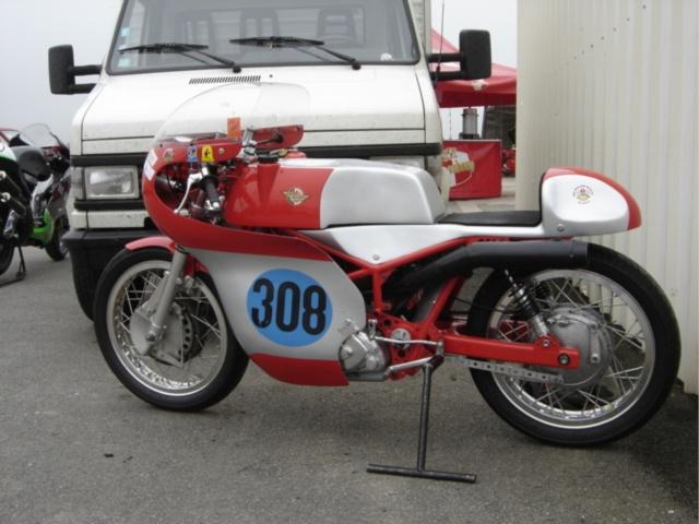 Ici on balance les Monos Ducati - Page 5 Dsc03010