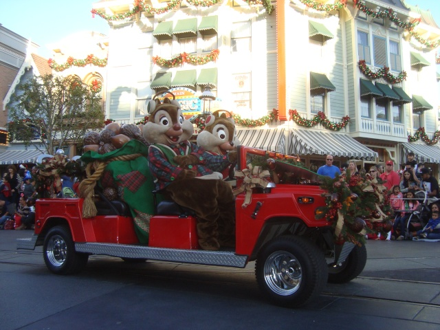 Vos plus belles photos de Disneyland Resort - Page 2 Dsc00215