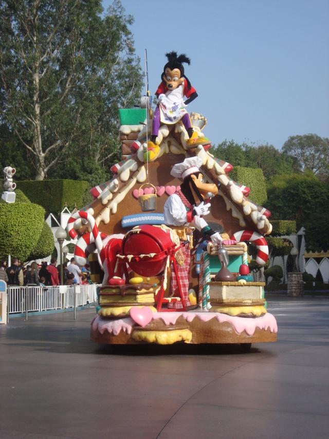 Vos plus belles photos de Disneyland Resort - Page 2 Dsc00314