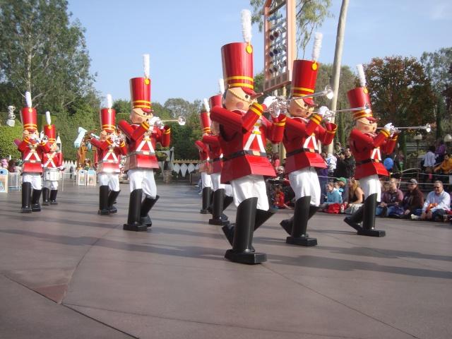 Vos plus belles photos de Disneyland Resort - Page 2 Dsc00316