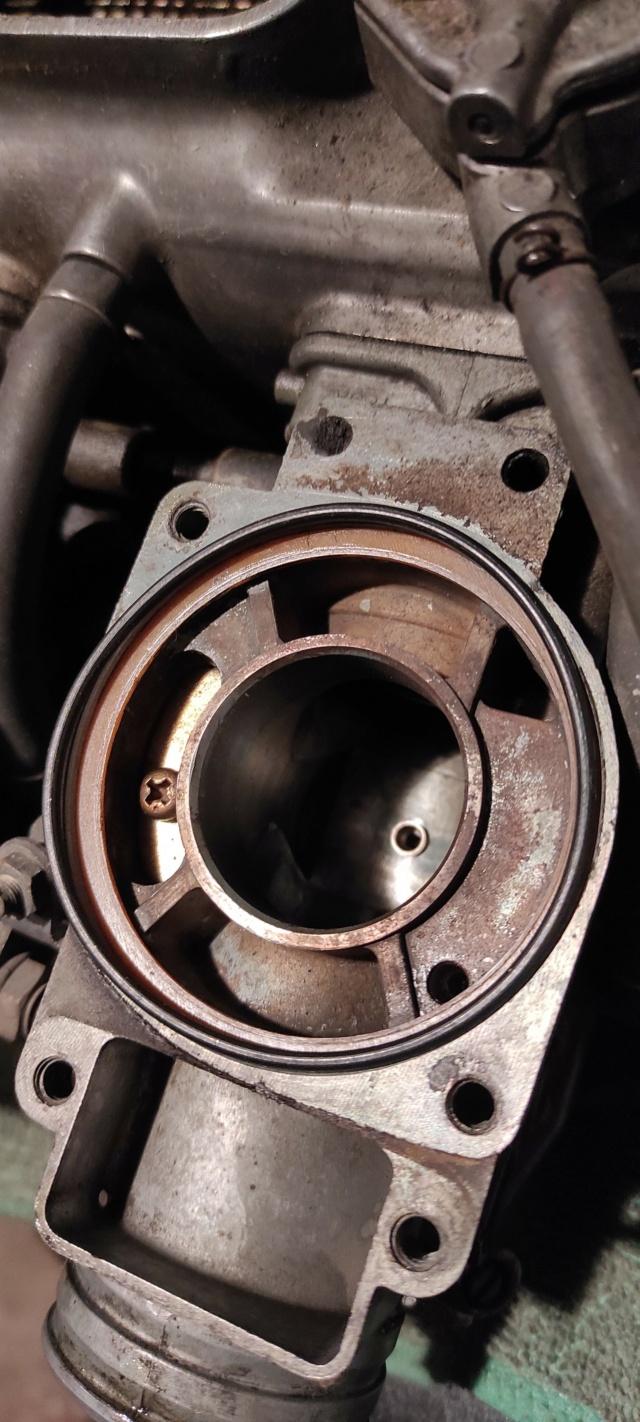 Besoin d'info sur un grand joint torique carburateur gl 1000 Img_2025