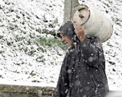 """إلغاء قرار """"تخزين الوقود"""" تحسبا للشتاء يغضب سكان البيض Neige_10"""