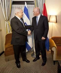 Attentat De Burgas : La Bulgarie Renonce A Son Independance Pour Satisfaire Les US Israël  52061310