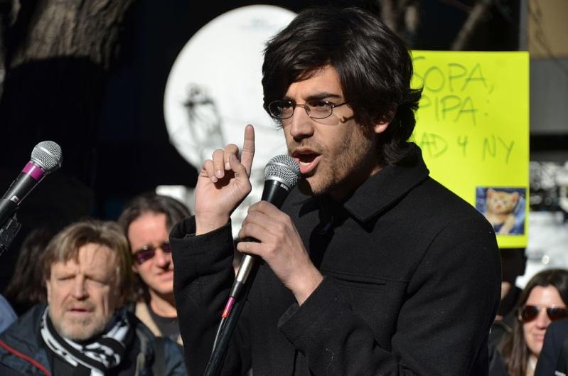 dossier - Aaron Swartz : Un activiste du libre accès aux données Aaron_11